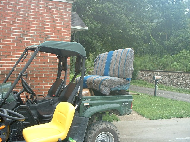 My neighbor may be a redneck Back_seat
